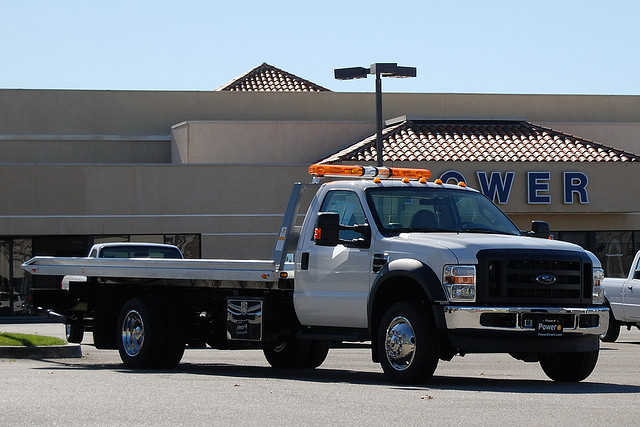 West Los Angeles Tow Truck